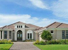 Traditional Exterior by Arthur Rutenberg Homes House Paint Exterior, Exterior House Colors, Exterior Design, Florida House Plans, Florida Home, Bungalow Haus Design, House Design, Style At Home, Arthur Rutenberg Homes