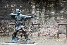 Statue Of Robin Hood at Nottingham Castle, Nottingham Castle, London Manchester, Day Trips From London, Museum Art Gallery, Peak District, Natural Scenery, Birmingham, Liverpool, Robin