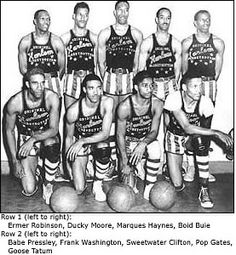 """Big\"" Frank Washington, a high-flying 6-foot-5-inch center, was a member of the first Harlem Globetrotter team to trek around the world in 1952"