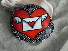 Awesome 80 Romantic Valentine Painted Rocks Ideas DIY For Girl https://roomadness.com/2017/12/31/80-romantic-valentine-painted-rocks-ideas-diy-girl/