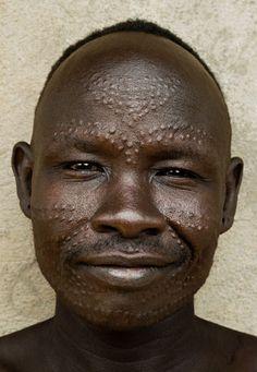 Africa | Portrait of a Bumi man. Ethiopia | © Thomas Miller.