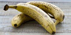 Zo krijg je een bruine banaan weer geel