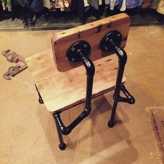 New project prototype No.2 #pipefurniture #reclaimedwood #reclaimed #wood #gaspipe #chair #lhandmade #oneandonly