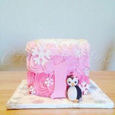 Teagan's first birthday First Birthday Winter, Girl Birthday Themes, Baby Girl First Birthday, First Birthday Cakes, 1st Birthday Parties, Birthday Ideas, Pink Smash Cakes, Smash Cake Girl, Penguin Birthday