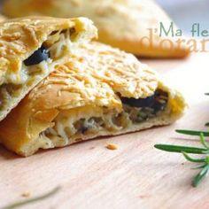 Sandwich et pizza Calzone, Iftar, Spanakopita, Scones, Lasagna, Food Inspiration, Sandwiches, Pasta, Yummy Food
