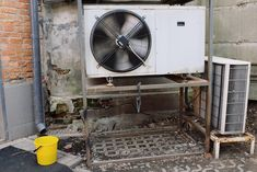 Tips Maintenance Air Conditioner in Your Home Small Window Air Conditioner, Commercial Hvac, Hvac Maintenance, Electricity Consumption, Home Inc, Air Conditioning System, Heating And Cooling, Cool Stuff, Tips