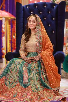 South Asian Bridal and Formal Look Book. Asian Bridal Dresses, Bridal Mehndi Dresses, Asian Wedding Dress, Mehendi Outfits, Pakistani Wedding Outfits, Indian Dresses, Indian Outfits, Pakistani Mehndi Dress, Pakistani Wedding Dresses