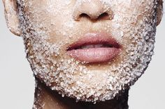 Skin Beauty Remedies - Just because you're born with oily skin doesn't mean you have to suffer with it! Here are oily skin remedies that will keep you matte and breakout-free. Oily Skin Remedy, Oily Skin Care, Anti Aging Skin Care, Natural Skin Care, Dry Skin, Skin Tips, Skin Care Tips, Creme Anti Rides, Piel Natural