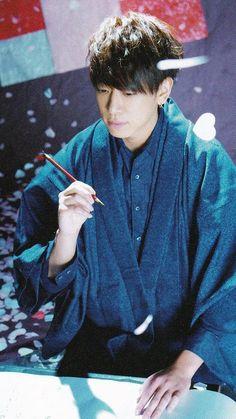 Koyama Keiichiro Hot Guys, Japan, Actors, People, Fictional Characters, Balconies, Wallpaper, Boys, Cute Guys