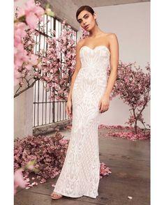 Gorgeous Wedding Dress, White Wedding Dresses, Bridal Dresses, Wedding Gowns, Reception Dresses, Wedding Reception, Beautiful Dresses, White Lace Maxi Dress, Cute White Dress