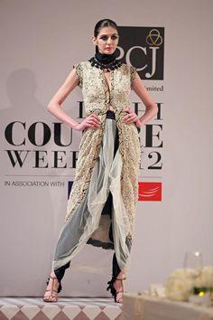 Anamika khanna Delhi Couture Week 2012 #anamikakhanna #delhicoutureweek2012 #lehenga #embroidery