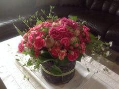 Pink,Nelken und Rosen