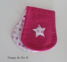 Bavette d'épaule en éponge couleur fuchsia : Mode Bébé par nuage-de-fee