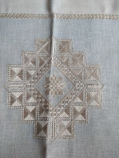 Evelyne Rivest's media content and analytics Hardanger Embroidery, Ribbon Embroidery, Cross Stitch Embroidery, Embroidery Patterns, Machine Embroidery, Halloween Embroidery, Drawn Thread, Sewing Art, Running Stitch