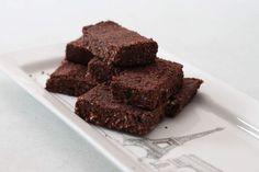 """Dolci crudisti e """"clean"""": cominciamo con i brownies"""