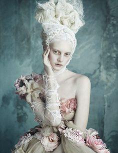 Vogue Alemanha Abril 2014 | Dolce  Gabbana Haute Couture por Luigi+Iango