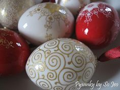 http://www.ebsqart.com/Artist/So-Jeo-LeBlond/34458/Artist-AOTD-Selections/Etched-amp-23k-Gilded-Christmas-Eggs/671183/