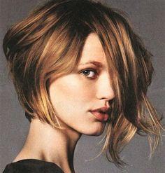 Taglio Capelli Corto Dietro Lungo Davanti Hairstyle Pinterest