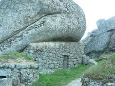 Гармония камня в селении Монсанто