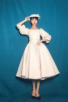 The Manor of Jewel Vintage Classic Lolita OP Dress,Lolita Dresses, Pretty Outfits, Pretty Dresses, Cute Outfits, Beautiful Dresses, Vintage Dresses, Vintage Outfits, Pose Reference Photo, Human Poses, Poses References