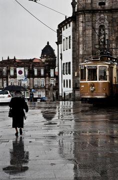 Porto, Portugal PRAÇA DOS LEÕES