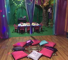 Rokabye personalised Shimmer and Shine children's party. Check out the themes we offer or have us create one for you! www.rokabye.com.au