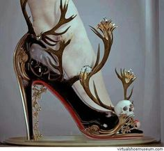 Crazy evil shoes.. i wouldn't wear them but artisticly cool