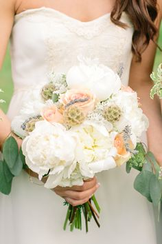 Florist: PAUL MCLAUGHLIN - Classic Navy and Grey New England Wedding by Mint Photography - via Magnolia Rouge
