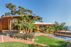 The property 20595 Seaboard Rd, Malibu, CA 90265 is currently not for sale on Zillow. View details, sales history and Zestimate data for this property on Zillow. Malibu For Sale, Sunset Strip, Organic Architecture, Luxury Real Estate, Midcentury Modern, Home Remodeling, Building A House, Pergola, New Homes