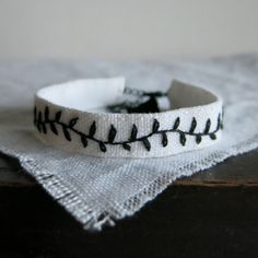 Hand Embroidered Cuff Bracelet -Simple Minimalist Black Vine on White Linen - Textile Art Jewelry - Gift Under 30 - Handmade by Sidereal Jewelry Art, Jewelry Gifts, Unique Jewelry, Simple Embroidery, Hand Embroidery, Vides, Orange Poppy, Fabric Earrings, Quilt Batting