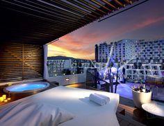 Rock Stra Platinum terrace Hard Rock Hotel Ibiza: the whole music cleavage!