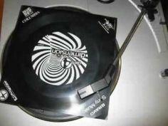 Schallfolie = dünne biegsame Schallplatte, meist als Werbegeschenk und in Zeitschriften