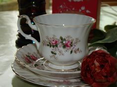 Vintage Tea Cup by Royal Albert - 100 year of tea time! - Le Tazze di Angiolina