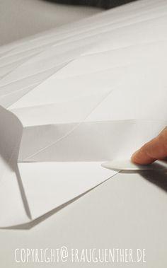 DIY, Origami Lampe falten, Origami Papierlampe 4, Origami Paper Lamp 4, Folding instructions, Faltanleitung, falten, Papierlampe falten, Lampenschirm falten, Frau Guenther, Tutorial, Anleitung, Drop, Tropfen, Diamant, folding instrables, Faltanleitung