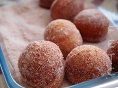 Relleno, Donuts, Hamburger, Muffin, Breakfast, Food, Canela, Fried Dumplings, Crumpet Recipe