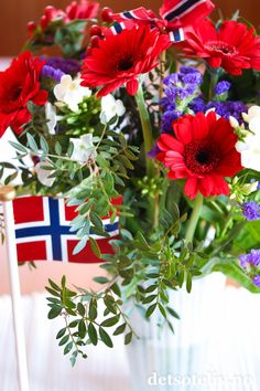 Constitution Day, Farewell Parties, Style And Grace, Floral Arrangements, Floral Wreath, Bouquet, Spring, Holiday, Flowers
