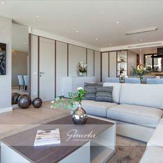 Neu gebautes Luxusapartment fußläufig zum Hafen Dieses Luxus-Apartment befindet sich auf der ersten Etage und erfüllt höchste Qualitätsansprüche sowie neueste technische Maßstäbe. Von außen wurden Mallorca-typische Natursteinfassaden in warmen, mediterranen Farben gekonnt mit modernen Architektur-Elementen kombiniert. Innen erwartet Sie ein modernes, komfortables Raumkonzept mit großzügigem Salon, offener Küche und Esszimmer, sowie 3 Schlafzimmern und 3 luxuriösen Bäder. Outdoor Furniture Sets, Outdoor Decor, Home Decor, Open Plan Kitchen, Modern Architecture, Kitchen Dining Rooms, Majorca, Bedroom, Decoration Home