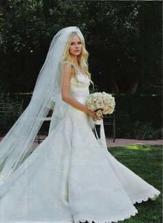 Avril Lavigne's wedding dress from 1st marraige