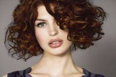 coiffure carre court degrade frise