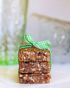 No-sugar-added after school snacks: You're only 5 ingredients and 10 minutes away from these nutrient-packed Oatmeal Raisin Cookie Larabars at Chocolate Covered Katie.