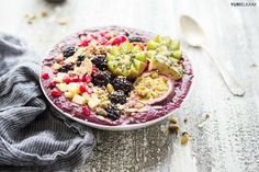 Acai Smoothie Bowl - The Do-It-All Recipe You Need to Try