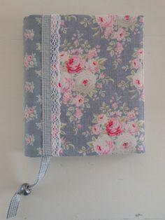 Diario 2014 (6.3 x 5,5 x 0,8 pulgadas) con la tapa floral vintage gris