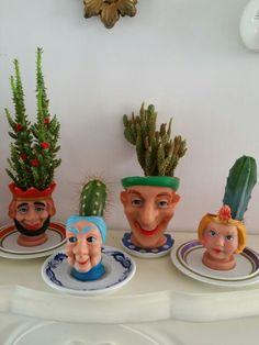 Poppenkast hoofdjes als cactuspotjes