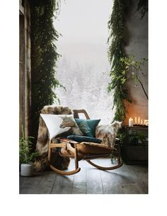 32 Living Room Decor For Your Perfect Home This Winter - Futuristic Interior Designs Technology Rustic Christmas, Christmas Home, Christmas Pillow, Nordic Christmas Decorations, Christmas Greenery, Xmas, Christmas Design, Christmas Christmas, Christmas Ideas