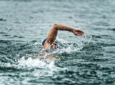 A Triathlon Training Plan For Beginners Ironman Triathlon, Triathlon Training, Marathon Training, Best Swimming Workouts, Swimming Tips, Swimming Sport, Triathlon Swimming, Swimming Pictures, Swimming Strokes