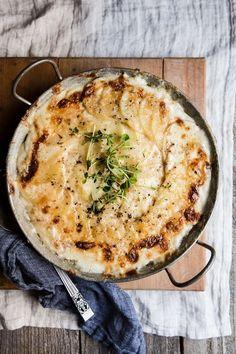 Potatoes au Gratin | themodernproper.com #potatoes #recipe Quick Recipes, Side Dish Recipes, Popular Recipes, Healthy Recipes, Potato Dishes, Potato Recipes, Potatoes Au Gratin, Good Food, Yummy Food