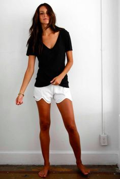 Front Tulip Shorts iN White