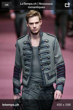 cfa162ac3b337 41 meilleures images du tableau veste officier   Military fashion ...