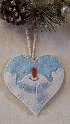 Felt Snowman Ornament      -   #crafts  #diy  #christmas
