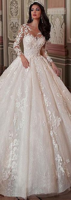 Fantastic Tulle & Lace Scoop Neckline Ball Gown Wedding Dress With Lace Appliques & Flowers & Beadings Wedding Bridesmaid Dresses, Gown Wedding, Bridal Gowns, Beautiful Bridal Dresses, Beautiful Gowns, Wedding Dress Patterns, Designer Wedding Dresses, Elegant Bride, Tulle Lace